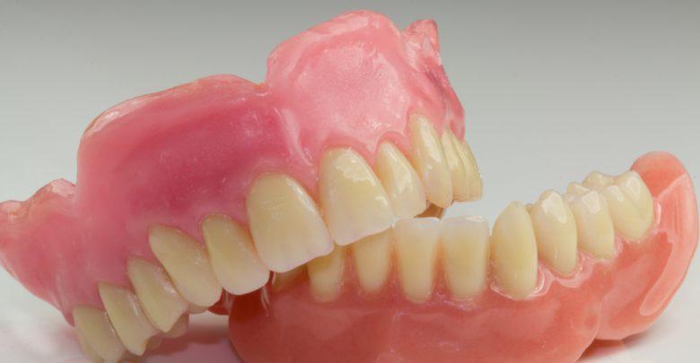 Photo of افزایش خطر ابتلا به ذاتالریه هنگام خوابیدن با دندان مصنوعی