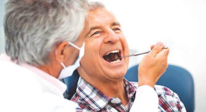 Photo of چرا وقتی با دندان مصنوعی صحبت میکنید دهان کف میکند؟