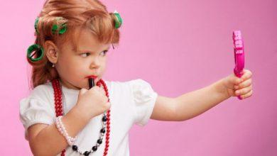 Photo of از مواد آرایشی خصوصا اسپریها جلوی فرزندتان استفاده نکنید