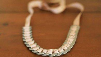Photo of گردنبند با روبان و حلقه های فلزی