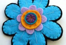 Photo of رومیزی ساده نمدی به شکل گل