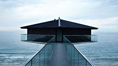 Photo of معماری خانهای به شکل الماس بر فراز اقیانوس
