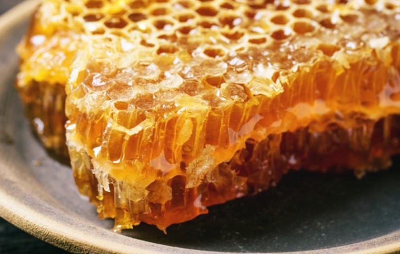۱۰ خاصیت عسل برای پوست، قلب و سلامتی