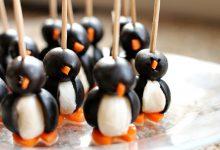 Photo of زیتون و پنیر را به شکل پنگوئن تزیین کنید