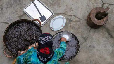 Photo of پخت جوز حلوا یا حلوای گردو در روستا