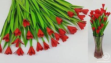 Photo of گلهای زیبا و قرمز کاغذی