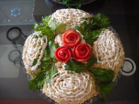 تزیین سالاد ماکارونی به همراه عکس,انواع تزیین سالاد ماکارونی,ایده های ناب برای تزیین سالاد ماکارونی